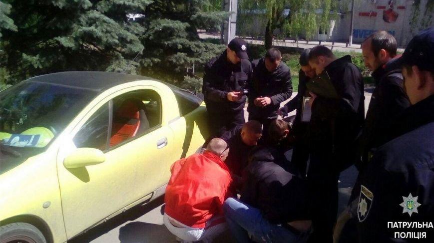 """У Тернополі водія «Опеля» затримали """"під кайфом"""" (Фото) (фото) - фото 1"""