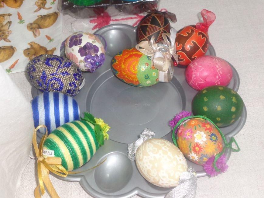 Школьники Красноармейска (Покровска) приняли участие в захватывающем мастер-классе по изготовлению пасхальных писанок (фото) - фото 6