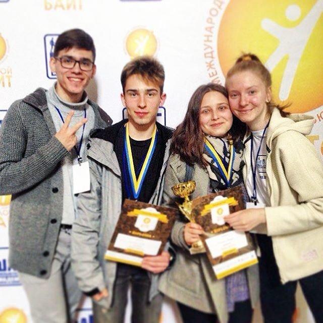 Команда та їхні нові друзі із Білорусі