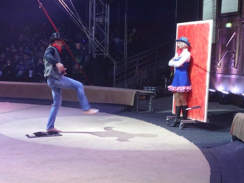 В Харькове циркачи установили новый рекорд Украины (ФОТО) (фото) - фото 1