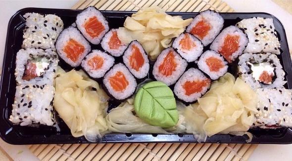Едва не закончился дракой заказ суши для двоих девушек из Мариуполя (фото) - фото 4