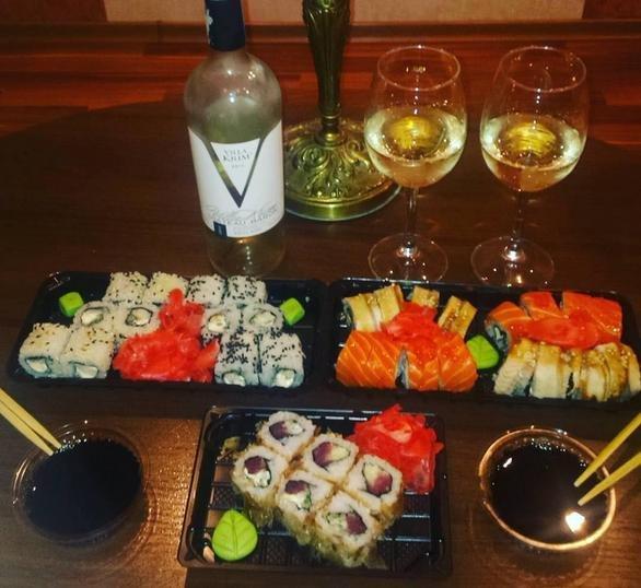 Едва не закончился дракой заказ суши для двоих девушек из Мариуполя (фото) - фото 3