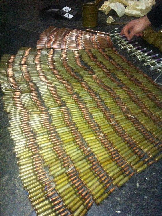 На железнодорожном вокзале Днепропетровска у военного обнаружены гранаты и патроны (ФОТО) (фото) - фото 2