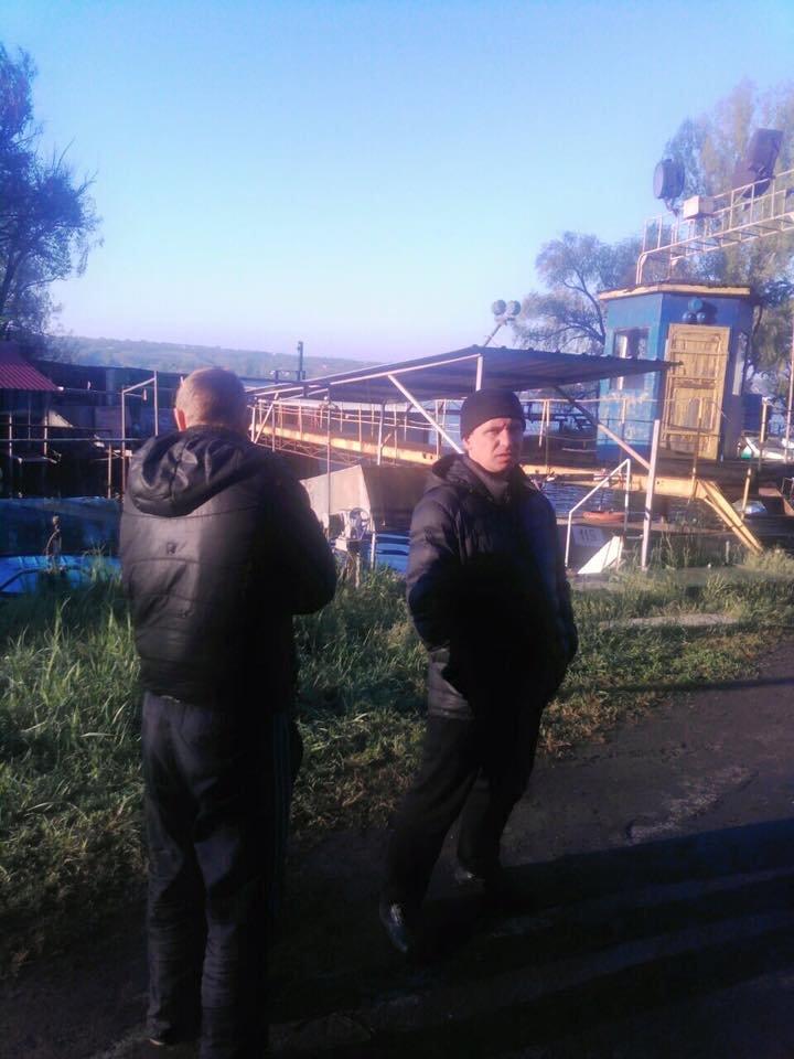 В Днепропетровске сотрудник полиции незаконно ловил рыбу (ФОТО), фото-2