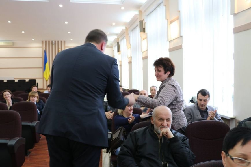 Краматорский градоначальник вручил грамоты активным общественникам, фото-1