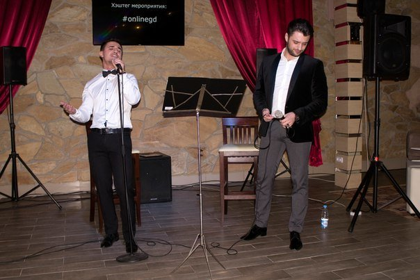 В кафе «ONLINE» в Новополоцке Левон Гзирян и Влад Дако выступили с кавер-программой, фото-4