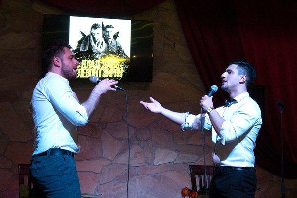 В кафе «ONLINE» в Новополоцке Левон Гзирян и Влад Дако выступили с кавер-программой, фото-3