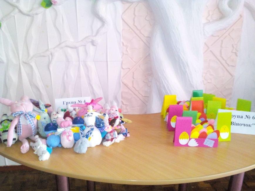 Рівненські дітлахи готували подарунки солдатам до Великодня, фото-3