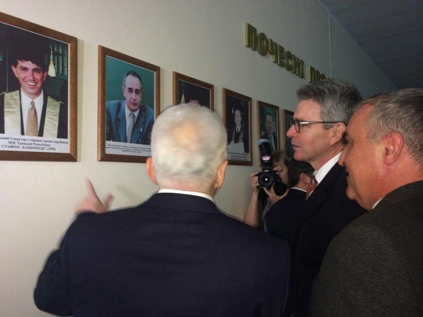Посол США   в Украине Джефри Пайетт встретился с мариупольскими студентами (ФОТО, ВИДЕО), фото-2