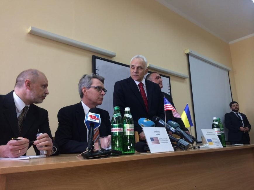 Посол США   в Украине Джефри Пайетт встретился с мариупольскими студентами (ФОТО, ВИДЕО), фото-1