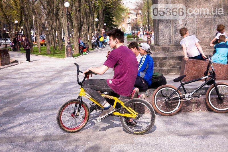 Кременчужане просят мэра защитить их от роллеров, скейтеров и велосипедистов, фото-9