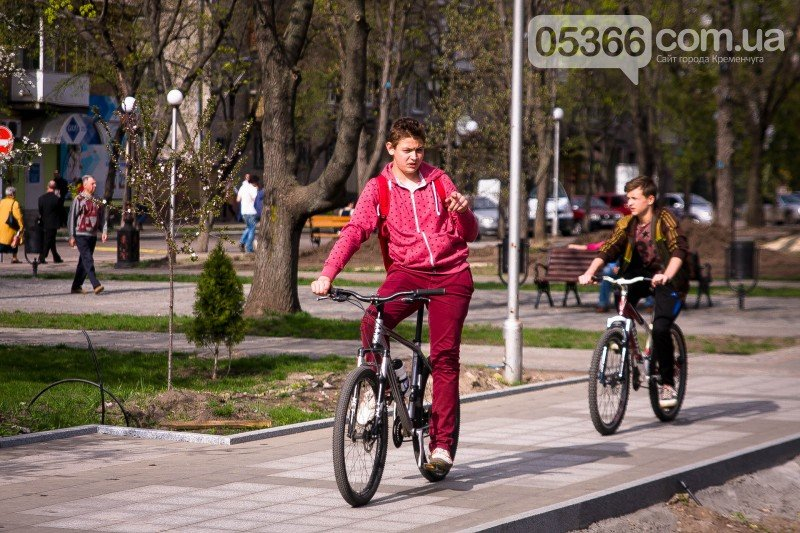 Кременчужане просят мэра защитить их от роллеров, скейтеров и велосипедистов, фото-6