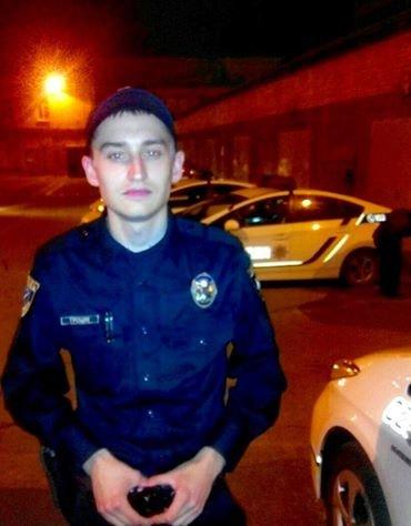 В Днепропетровске полицейские помогли спасти парня, которому оставалось жить 4 минуты, фото-1