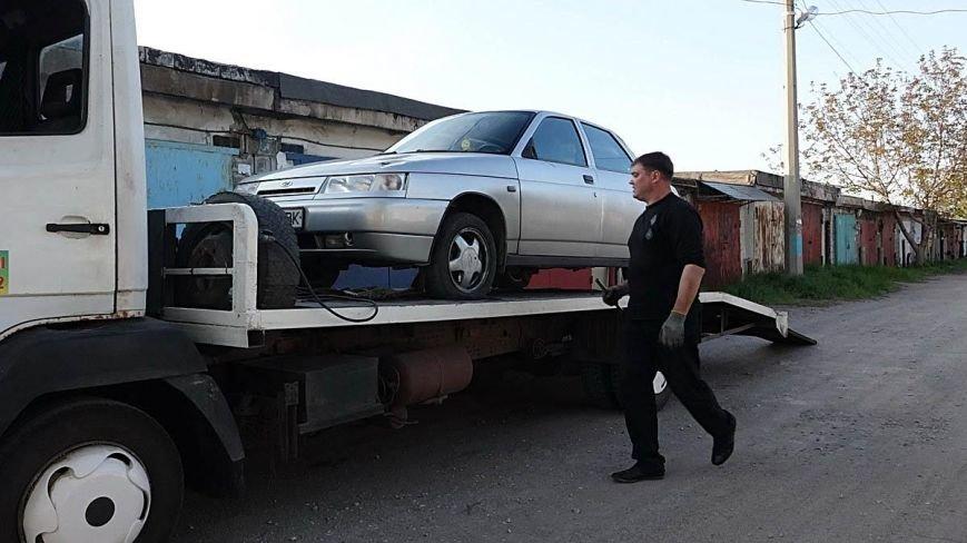 В Мариуполе двое парней устроили погоню за автомобилем, сбившим пенсионерку (ФОТО), фото-7
