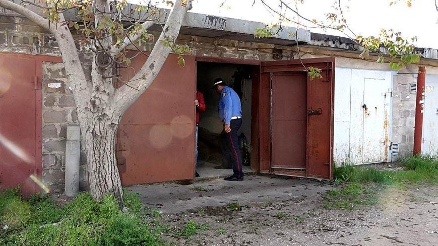В Мариуполе двое парней устроили погоню за автомобилем, сбившим пенсионерку (ФОТО), фото-5