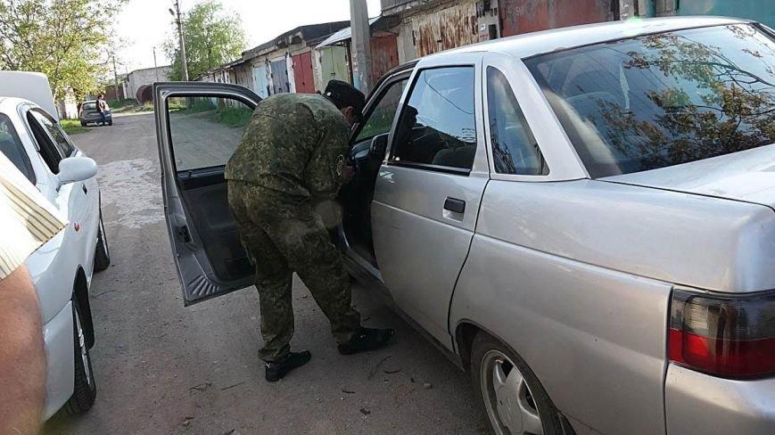 В Мариуполе двое парней устроили погоню за автомобилем, сбившим пенсионерку (ФОТО), фото-12