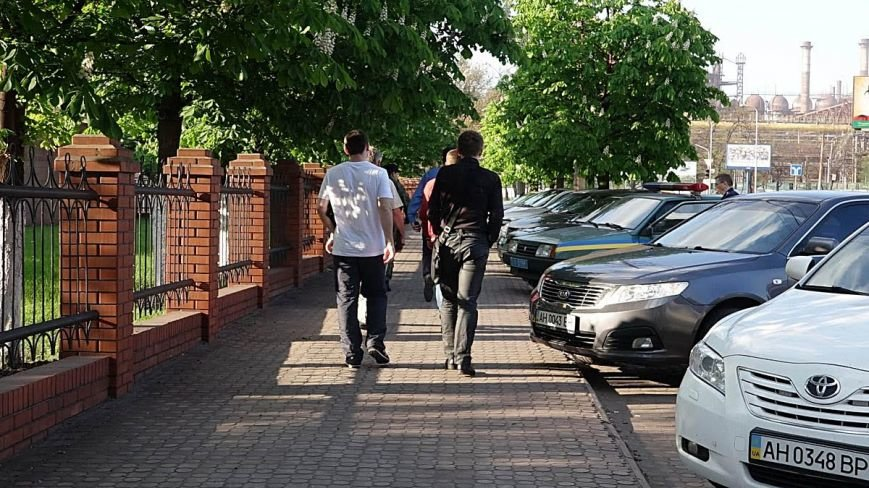 В Мариуполе двое парней устроили погоню за автомобилем, сбившим пенсионерку (ФОТО), фото-13
