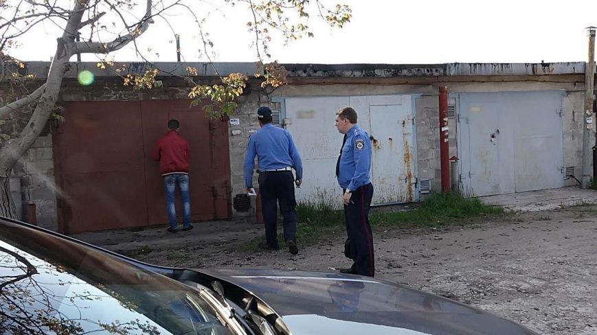В Мариуполе двое парней устроили погоню за автомобилем, сбившим пенсионерку (ФОТО), фото-8