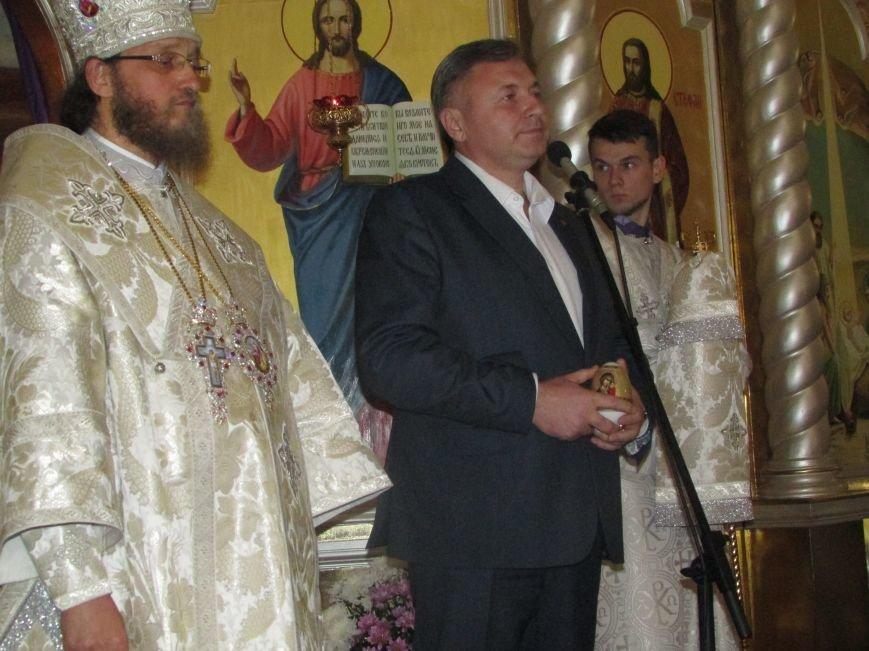 В Северодонецке прошло ночное богослужение в честь Пасхи (ФОТО), фото-6