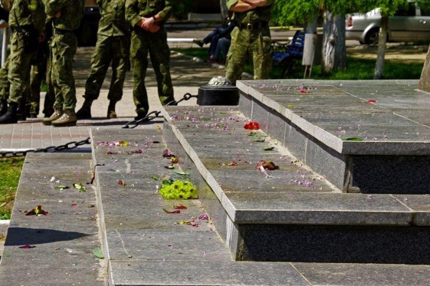 В Херсоне на акции памяти жертв трагедии в Одессе обошлось почти без провокаций (фото), фото-4