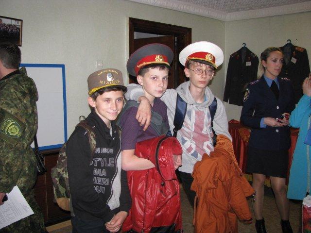 Добропольские правоохранители организовали школьникам интересную и познавательную экскурсию, фото-4