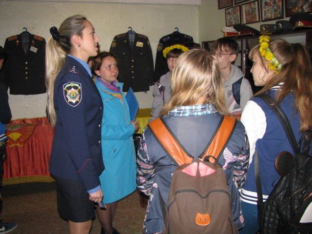 Добропольские правоохранители организовали школьникам интересную и познавательную экскурсию, фото-5