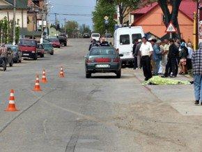 На Буковині внаслідок ДТП загинув велосипедист, фото-2