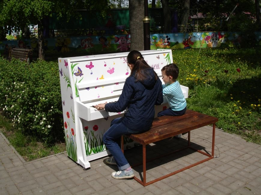 У парку Шевченка з'явилось вуличне піаніно (фото), фото-1