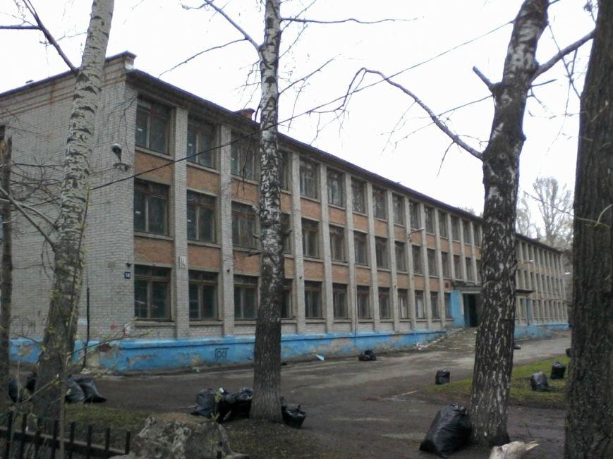 гибнущая школа по улице Севастопольская  14