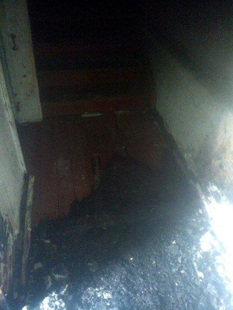 В Днепродзержинске тушили деревянный пол в подъезде, 2 нежилых помещения и дачный домик, фото-1