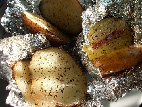 Картофель с беконом и шампиньоны в сметанном соусе. ТОП-5 рецептов для дачи по версии новополочан, фото-1