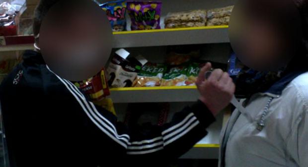 В Сумах ревнивый муж зарезал жену в продуктовом магазине на ул. Интернационалистов, фото-1