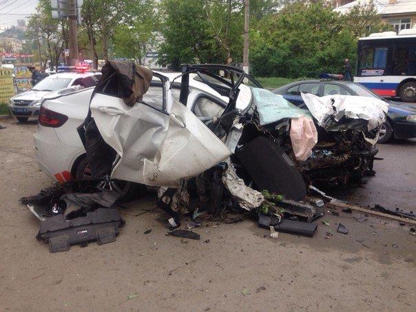 В ночном ДТП в Симферополе погиб человек и разбиты три машины, фото-4