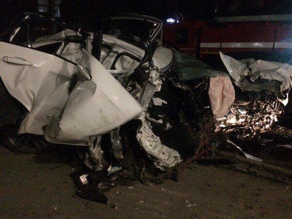 В ночном ДТП в Симферополе погиб человек и разбиты три машины, фото-5