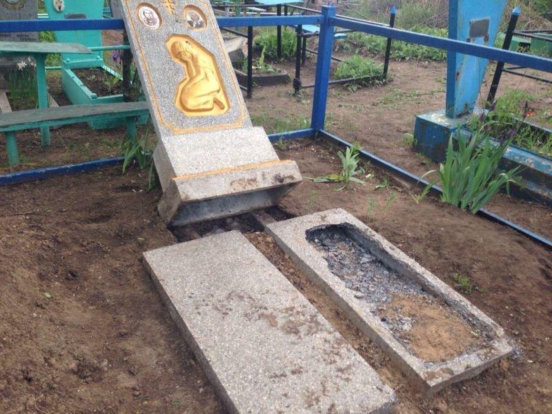 """В Краматорске задержан кладбищенский вандал, который """"воскрешал умерших"""", фото-1"""