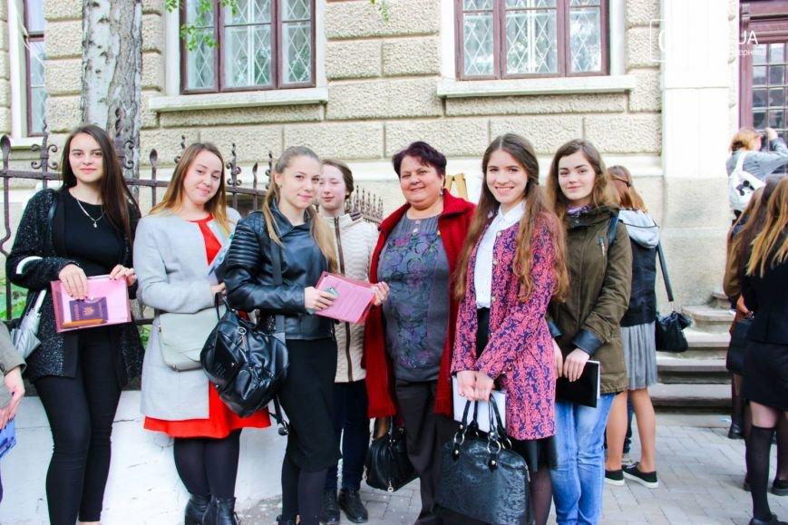 Сьогодні буковинці складають ЗНО з української мови(ФОТО), фото-9