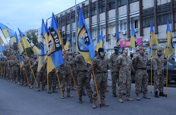 В Бердянске прошло праздничное шествие полка АЗОВ, фото-2