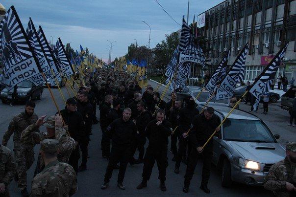 В Бердянске прошло праздничное шествие полка АЗОВ, фото-3