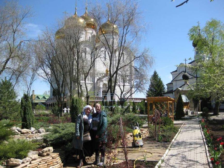 Паломники из Доброполья посетили Свято-Успенский Николо-Васильевский монастырь, фото-1