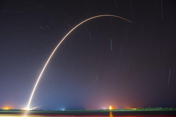 SpaceX вдруге посадила ступінь ракети на платформу в океані, фото-1