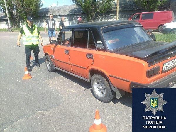 В Чернигове пьяный водитель, сбив человека, заснул в машине, фото-1