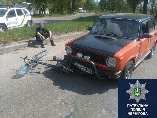 В Чернигове пьяный водитель, сбив человека, заснул в машине, фото-2
