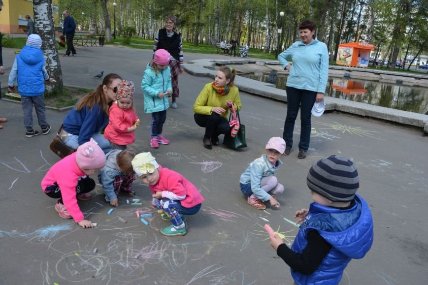 Детский город. Как новополоцкие малыши рисовали от души, фото-11