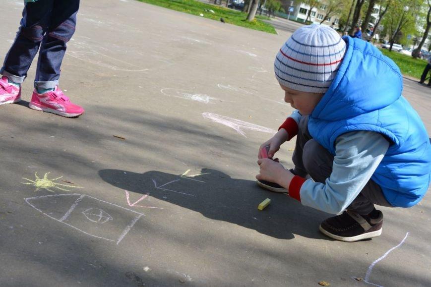 Детский город. Как новополоцкие малыши рисовали от души, фото-3