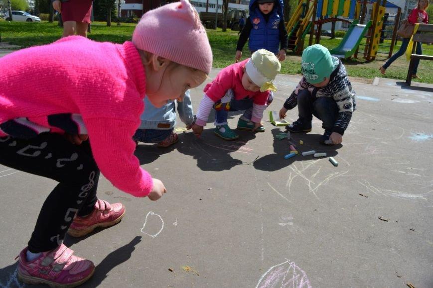 Детский город. Как новополоцкие малыши рисовали от души, фото-5