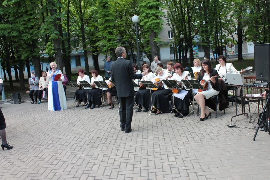 Селидовчане танцевали под песни о любви и верности, фото-7