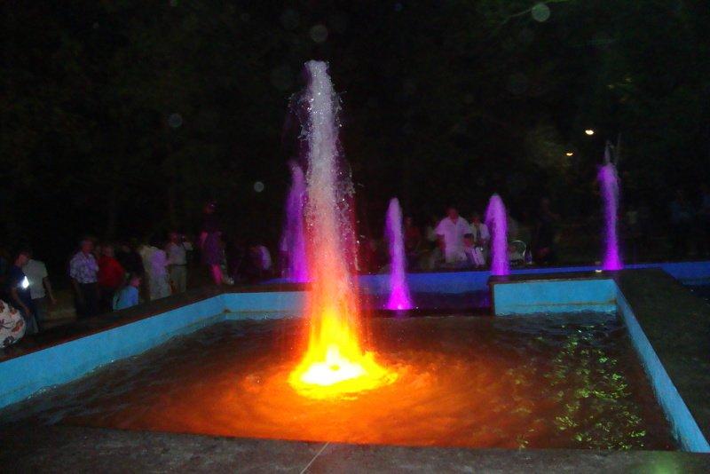 В Бериславе к 9 мая заработал фонтан, фото-1