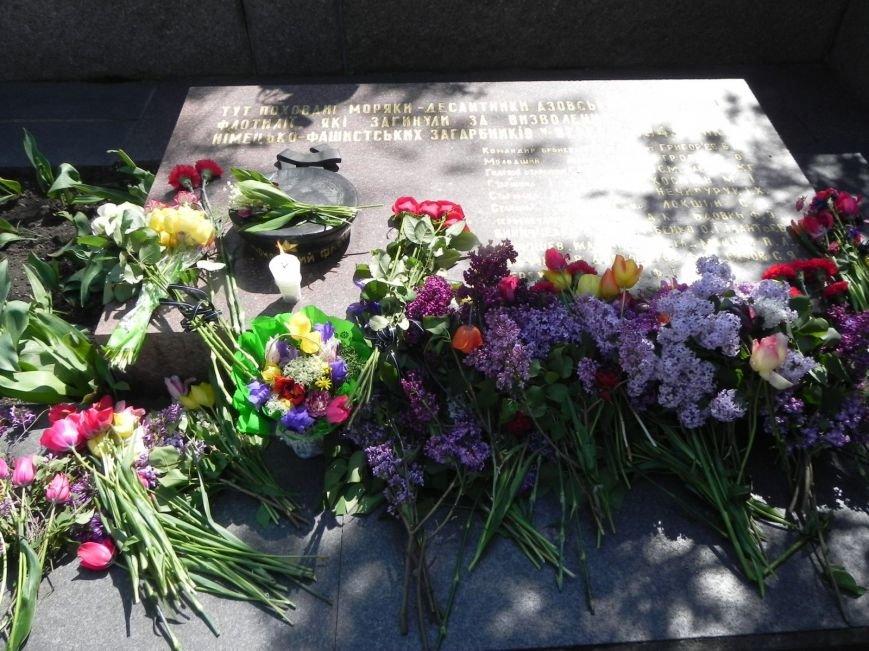 В Бердянске возлагали цветы в память о героях войны, фото-5