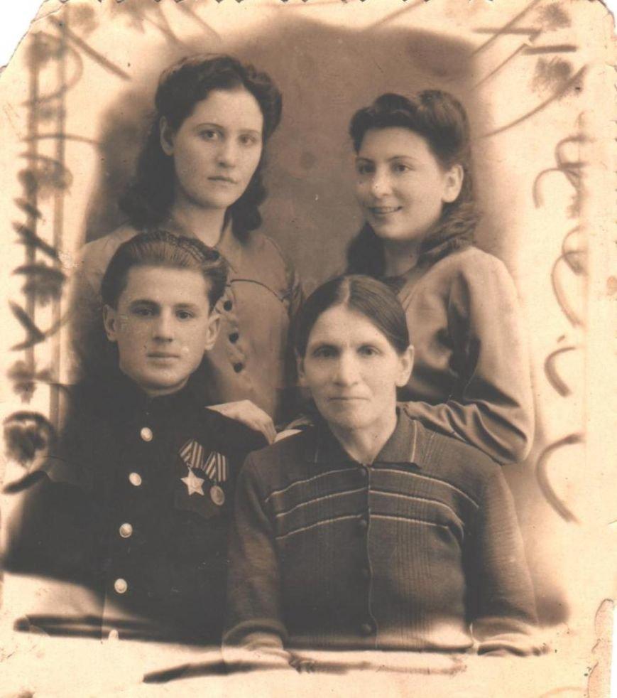 Бычков Николай Матвеевич 1924г.р. фото 1947 001