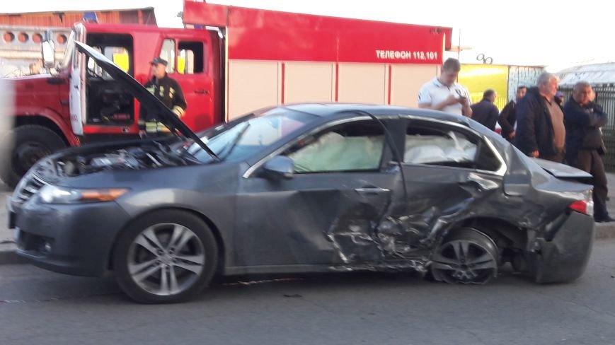 На ул. Урицкого произошла авария с тремя автомобилями. ФОТО, фото-5